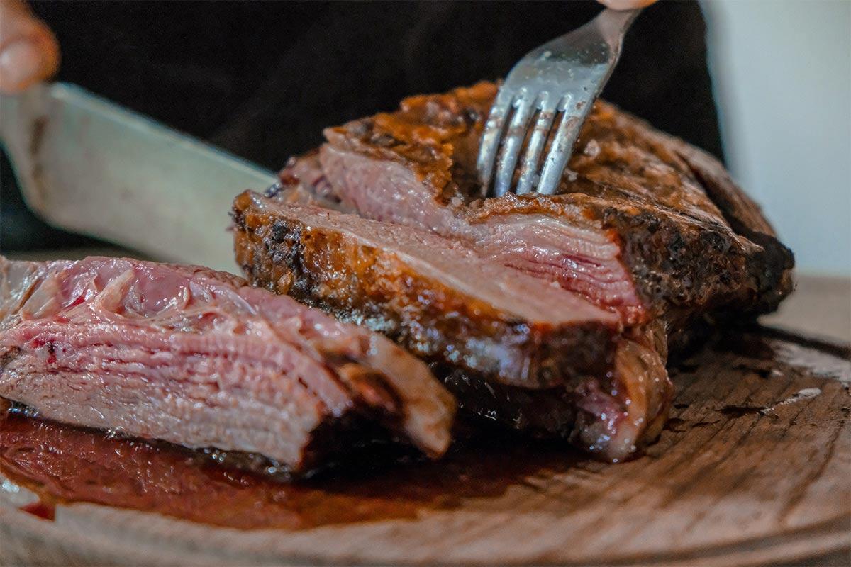 Fleischsteuer: Warum der Steuersatz für Fleisch erhöht werden muss