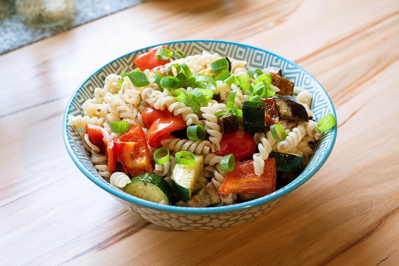 Bunter Nudelsalat mit frischem Gemüse - Die Rezepte