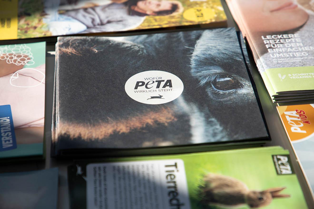 So erhalten Sie PETA-Infomaterial für Ihr Unternehmen