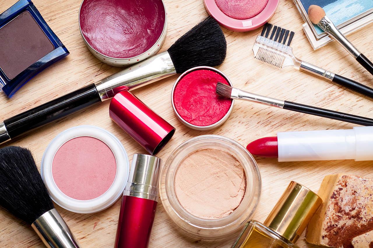 Kosmetik: Unterschiede Naturkosmetik, vegan & tierversuchsfrei