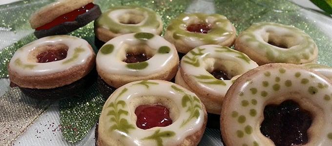 Weihnachtsplätzchen Besondere.Vegane Matcha Erdbeer Plätzchen