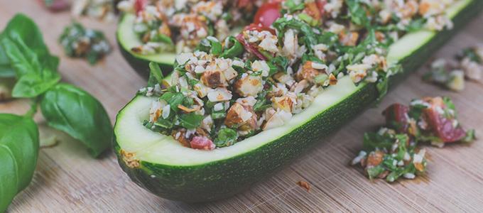 Gefüllte Zucchini Schiffchen