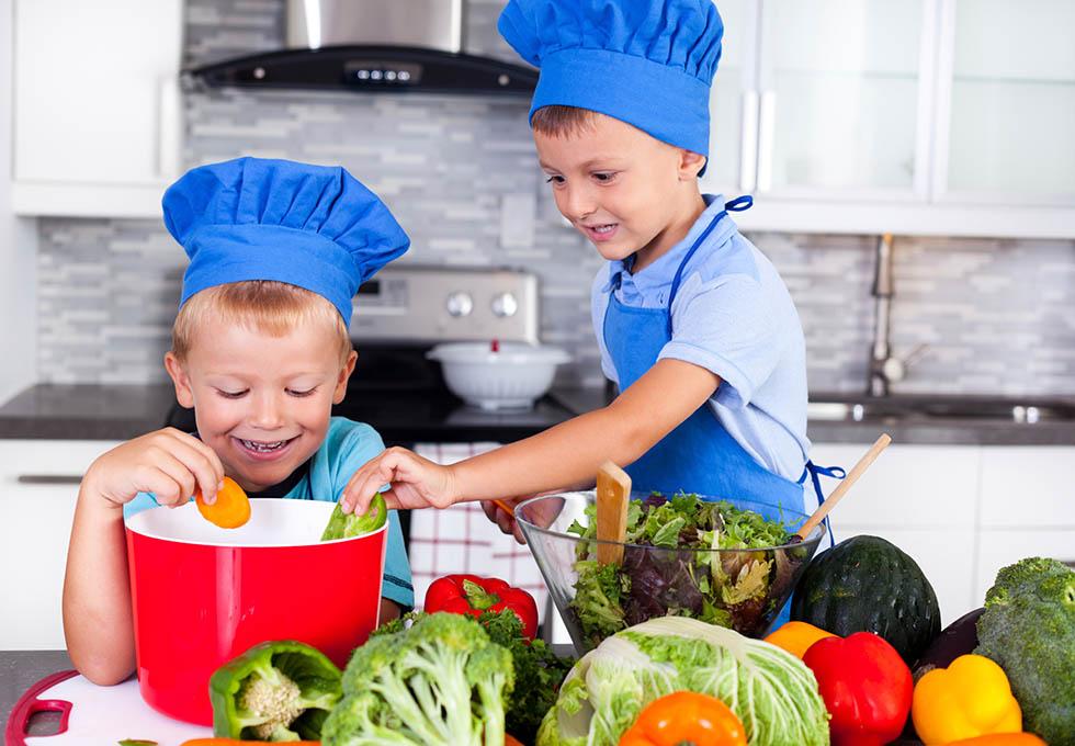 Vegane Ernährung für Kinder: Wie geht es richtig? Tipps & Infos