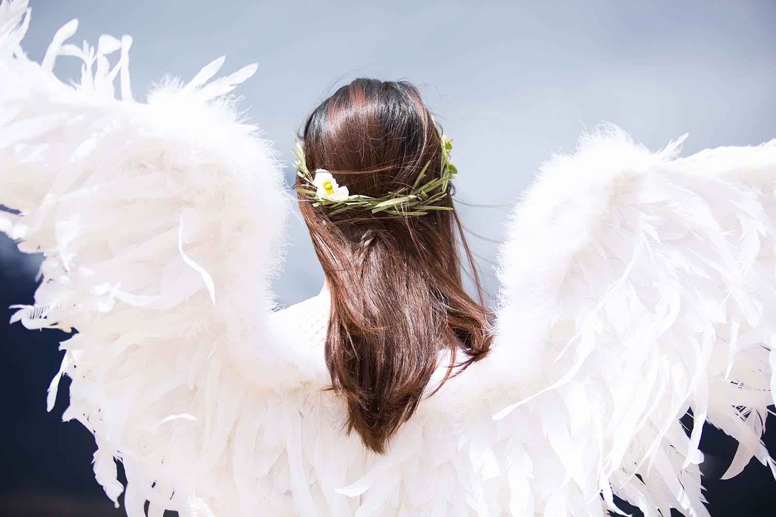 Lebendig gerupft, dann geschlachtet – warum Federn keine Fashion sind