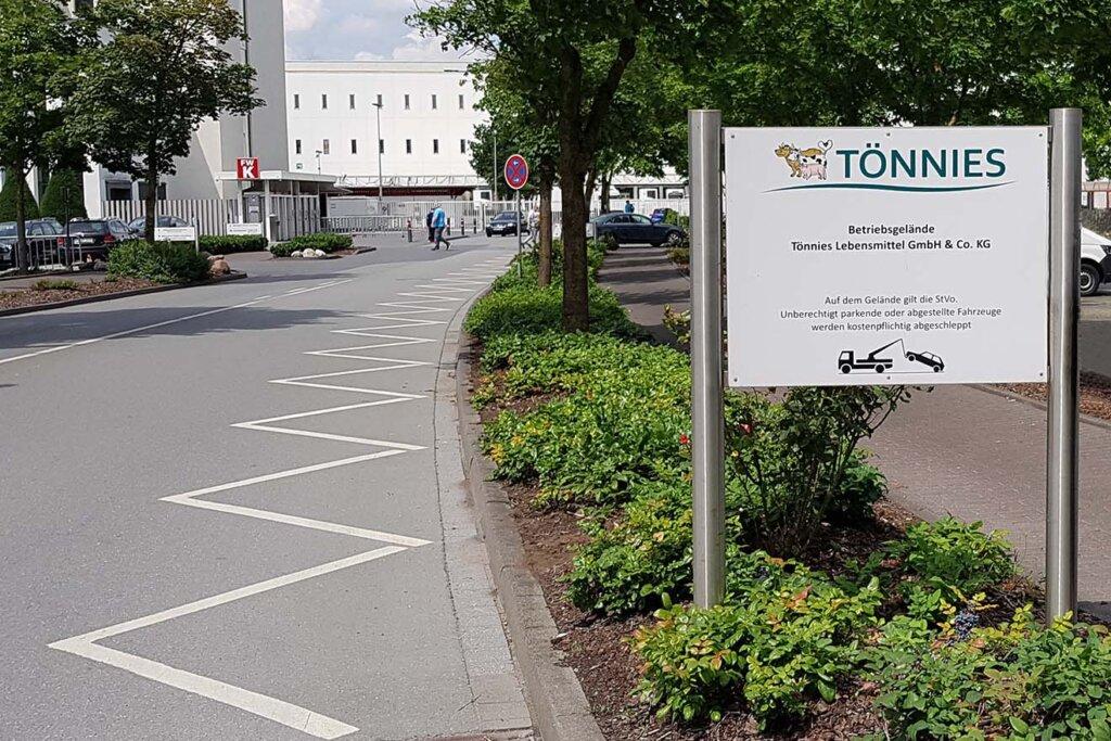 Eingang vom Schlachthof Toennies
