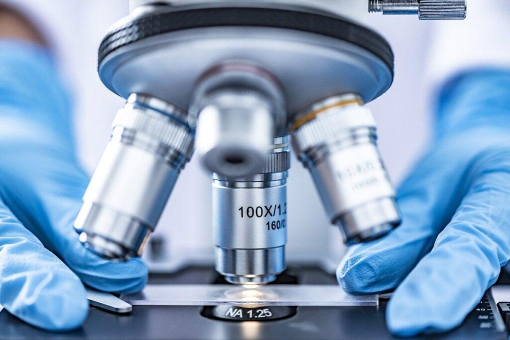 medizinisches Mikroskop